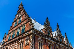 (McQuaide Photography) Tags: holland building haarlem netherlands architecture canon eos europe nederland wideangle dslr gebouw vleeshal uwa wideanglelens ultrawideangle 100d 1018mm mcquaidephotography