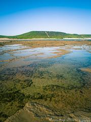Cielo, tierra, mar (Óscar Díaz) Tags: españa costa mar agua playa cádiz granangular cañosdemeca charcas