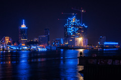 Hamburg Blue Port '14 (Martin.Merz) Tags: cruise blue night port boot licht boat nacht harbour hamburg days hamburger blau hafen schiff langzeitbelichtung blaue stunde