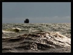Lake Superior. High Waves. (C) (Warren Erickson 54880) Tags: minnesota waves ship lakesuperior duluthmn 2014 duluthminnesota warrenerickson