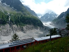 Le Train du Montenvers (Matrok) Tags: mountain france mountains alps train montagne alpes glacier glaciers savoie chamonix alpi savoy montagnes merdeglace hautesavoie chamonixmontblanc grandesjorasses montenvers massifdumontblanc traindumontenvers