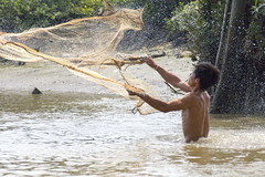 Catching Fish (Reeves Do Travel) Tags: vietnam hochiminh catchingfish