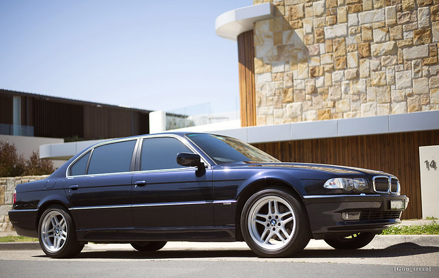 blue sun sunlight house inch sandstone metallic sydney 7 style limo m clear bmw series 37 18 orient parallel limousine alloys 1990s 90s 7series bimmer 2000s 750 7er 740 facelift lwb 750i e38 740il 00s 740i 750il mparallel orientblau