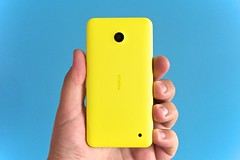 blue yellow nokia smartphone windowsphone lumia... (Photo: Janitors on Flickr)