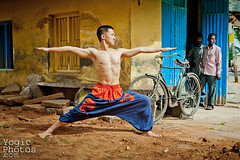 IMG_1655ChristineHewitt_YogicPhotos (yogicphotos) Tags: city urban india man yoga warrior strong strength mysore asana hung inda ashtanga warriorpose virabhadrasana virabhadrasanaa warriori yogaphotography yogaphotographer yogicphotos chrisitnehewitt
