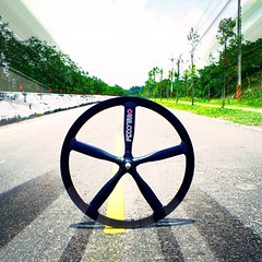 ONE WAY ROLL!! (OZOTW) Tags: green bicycle shop square 50mm cycling aluminum asia track raw meetup taiwan gear fork tire cap squareformat ag frame singlespeed fixed taichung fixie fixedgear gt carbon custom velodrome slope pursuit mash sanmarco skid lug ozo 2014 aff1 aff2 aff3 chainlock bottombracket 4130 cinelli 700c madeintaiwan 2013 6066 steelbike chromoly 46t completebike kingheadset tricktrack carbonrim bullhornbar barspinable iphoneography ozotw srams80 wwwozotwcom 4130steel slopeframeset instagramapp uploaded:by=instagram tpuvelcrotoestrap eurobottombracket 40mmdeeprim affframeset ospoke