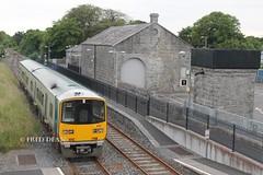Irish Rail 2807/08 in Gort Station. (Fred Dean Jnr) Tags: galway wrc irishrail gort tokyu dmu iarnrodeireann 2807 2808 dieselmultipleunit 2800class westernrailwaycorridor waterfordlimerickrailway gortstationgalway june2014 wlwr