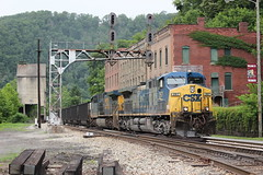U161 @ Thurmond (Clear333track1west) Tags: railroad train railway trains co ge signal csx cantilever ac44cw newriversub csx267