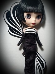 Blythe-a-Day July 2014: #21:   LaVern Rules the Moon in Bob Mackie