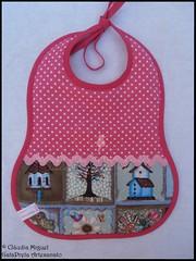 "Conjunto de beb ""Blue Houses&Birds"" (GataPreta Artesanato) Tags: beb infantil bolsa maternidade babete bolsinhas maladematernidade mudafraldas conjuntodebeb fraldadepano toalhitas conjuntoparabeb sacodematernidade prendedordechupeta"