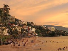 DSCN0420 (Metufer) Tags: ocean sunset beach skyline sunrise mexico atardecer jalisco playa amanecer beaches puertovallarta cloudporn pacifico playas mexicanbeach elcaballito skyporn mexicanbeaches pacificomexicano marinapuertovallarta