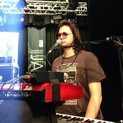 Ollie at soundcheck at silda jazz fest in Norway. For @bridgeagram #andietheroadie
