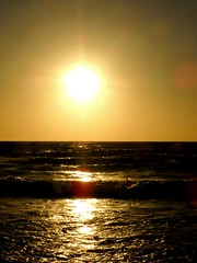 (Tu prova ad avere un mondo nel cuore...) Tags: sunset sea sun mer west sol beach strand atardecer li soleil mar zonsondergang meer tramonto mare sonnenuntergang playa prdosol sole sonne plage spiaggia vada  ovest coucherdusoleil   occidente  ouest martirreno calardelsole