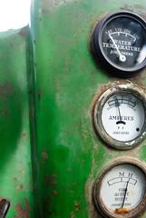 tractor france modela rhône oldtimer fête johndeere tracteur cadran meys montsdulyonnais compteur batteuse machineagricole matérielagricole