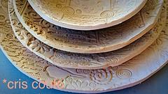 Secando... (cris couto 73) Tags: ceramica ceramic plate clay pottery prato argila porcelana criscouto