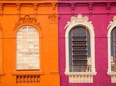 harmonia secundária (skelshizuko) Tags: old pink orange window brasil architecture saopaulo laranja violet artnouveau violeta secondarycolors rua25demarço coressecundárias