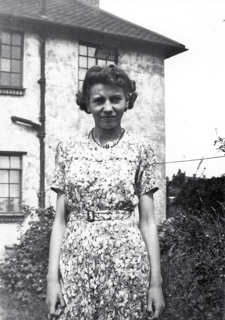 124fae11238 Girl in the garden 40s (vintage ladies) Tags  portrait people blackandwhite  house window