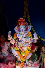 Little Ganesha for Visarjan ([s e l v i n]) Tags: india elephant beach statue ganesha god ganesh idol bombay elephantgod mumbai hinduism deity visarjan ganpati chowpatty lordganesh chowpattybeach hindugod ganeshotsav ganeshvisarjan ganeshfestival hindudeity girgaum girgaumchowpatty selvin