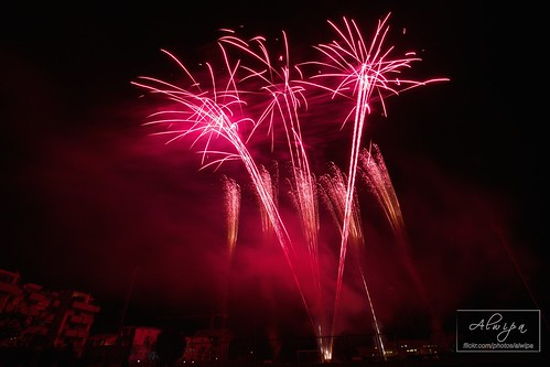 """Fireworks • <a style=""""font-size:0.8em;"""" href=""""http://www.flickr.com/photos/104879414@N07/15070294277/"""" target=""""_blank"""">View on Flickr</a>"""