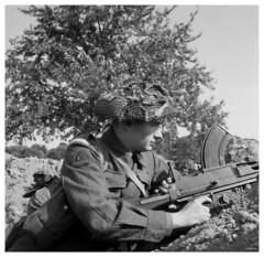 """On Guard - 1944"" (photo_secessionist) Tags: bw 120 6x6 film rollei analog zeiss mediumformat soldier blackwhite kodak jena d76 ww2 vintagecamera hp5 british ilford reenactment 1939 reenactor selfdeveloped recreated fakevintage frankeheidecke newmodelk4640 roleiflexnewstandard carlzeissf3575mmtessarlens northsafforshireregiment"