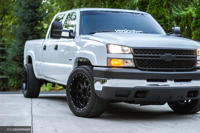 diesel chevy silverado lowered stance racetruck duramax 2500hd versiontwo
