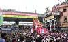Lalbaugcha Raja and the crowd ([s e l v i n]) Tags: india elephant statue ganesha god ganesh idol bombay elephantgod mumbai hinduism deity raja visarjan ganpati lordganesh lalbaug hindugod ganeshotsav lalbaugcharaja ganeshvisarjan ganeshfestival hindudeity chinchpokli ©selvin lalbaugcharajavisarjan
