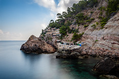 Caló de s'Estaca (Max W!nter) Tags: mallorca sestaca estaca valldemossa nd longexposure largaexposicion sea neutraldensity graulfilter langzeitbelichtung costanorte calódesestaca caló cala serradetramuntana tramuntana caladesestaca caleta samarina portdevalldemossa rocks rocas mar water scenery slowspeed gnd nature seascape nikon d500 18mm coast coastal explore beach excursió senderismo hike mallorcarural ruralmallorca