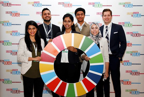 "UN SDG Global Advocate Alaa Murabit and her interns at the global Festival of Ideas for Sustainable Development • <a style=""font-size:0.8em;"" href=""http://www.flickr.com/photos/152429547@N06/33058730531/"" target=""_blank"">View on Flickr</a>"