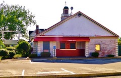 Un-friendly's... (Nicholas Eckhart) Tags: ohio usa abandoned retail america dead restaurant us closed fastfood icecream vacant oh stores elyria 2014 friendlys shuttered