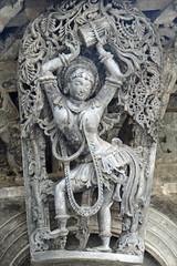 Madanika (Temple de Chennakeshava à Belur, Inde) (dalbera) Tags: sculpture india vishnu karnataka hinduism belur inde hindouisme hoysala chennakeshava vishnou dalbera salabhanjika madanika