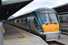 Iarnród Éireann / Irish Rail 22207 (Will Swain) Tags: seen dublin heuston station 20th june 2014 ireland train trains coach coaches rail transport travel southern south capital city iarnród éireann irish 22207
