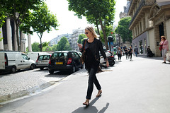 Parisian# 68 (人間觀察) Tags: street leica ltm trip people paris france travelling day path candid voigtlander 28mm stranger parisian m9 f19 voigtlander28mmf19 leicam9