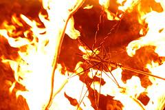 Le feu (DJ Axis) Tags: festival umbrella jaune rouge fire place williams kim christopher du bleu flame le terre nouveau fin monde terra pour juillet mal feu par juste rire 2012 parapluie karnaval diamant desjardins chorgraphie brle chaotique infeste