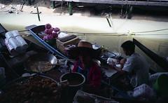 Ayutthaya Floating Market (fuadabd) Tags: travel vacation candid ishootfilm 35mmfilm pointandshoot floatingmarket ayutthaya filmphotography colorfilm amazingthailand filmisnotdead leicamini3 efinitiuxisuper200