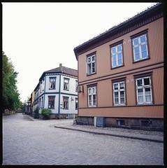 Gamlebyen Fredrikstad (schoeband) Tags: 120 6x6 film norway mediumformat norge fortification gamlebyen østfold fredrikstad hasselblad500cm kodakektachromee100vs