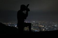 Fei Ngo Shan photographing (leo shy) Tags: night hongkong silhouettes feingoshan