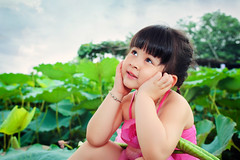 My cousin (Le Minh Tuan) Tags: family portrait people girl 35mm canon children kid pond lotus outdoor f14 cutekid sen 6d lotuspond kidphotography msen sigmaart chpsen
