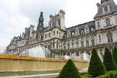 City hall - Paris (matt6992) Tags: paris monument fountain de hotel jardin capitale politique fontaine ville arbustre