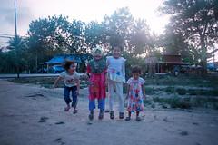 Fun at kampung (sengkenitz) Tags: lilydamia abenoor sengkenitz daliahana irisdafina bibiiklima