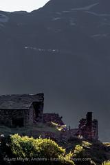Andorra rural: Canillo, Vall d'Orient, Andorra (lutzmeyer) Tags: pictures old summer history nature june juni rural sunrise photography europe photos pics alt sommer natur natura images historic ruine fotos verano past sonnenaufgang junio historia andorra antic oldhouses bilder imagen pyrenees iberia verlassen historie estiu pirineos pirineus iberianpeninsula geschichte juny pyrenen antik historique historisch abadoned imatges altehuser geschichtlich aufgegeben iberischehalbinsel sortidadelsol abadona canoneos5dmarkiii valldorient vallorient canilloparroquia lutzmeyer lutzlutzmeyercom bordesdelarmianacanillo