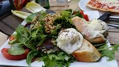 Salade de chèvre chaud - hot goat cheese salad. Uzès, Provence. (claireschmidtmeyer) Tags: food french restaurant salad walnut nuts vegetarian provence goatcheese goatcheesesalad saladedechevrechaud