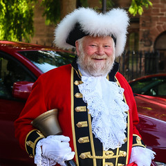 Trowbridge Town Crier (Sara@Shotley) Tags: scarlet fur costume cathedral bell competition chester tradition towncrier trowbridge