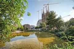 Sagrada Familia Barcelone (mattkayphotography) Tags: barcelona history church familia architecture spain cathdrale sagradafamilia espagne sagrada btiment barcelone catalogne