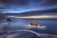 One night in Los Urros (Cantabria) (Perez Alonso Photography) Tags: longexposure sunset sea sky espaa beach night atardecer noche mar spain rocks nightscape playa filter cielo nocturna olas santander rocas cantabria holder cantabrico largaexposicin liencres arnia urros portafiltros losurros lucroit