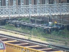 92500 Doncaster 170713 (Dan86401) Tags: wagon flat container 92 gmc freight binliner modal kfa intermodal 92500 greatermanchestercouncil doncasterwestyard standardwagon greatermanchesterbinliner gmc92500