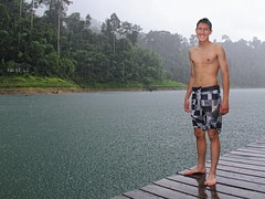 BieJee taking a RAINforest shower and ready to jump (Bn) Tags: bear park trip morning wild white house mountain lake elephant man mountains smile rain forest swimming asian fun thailand three boat drops topf50 squirrel rainforest sandstone rocks long kayak dam wildlife south tiger floating diving landmark bamboo deer erosion virgin national jungle monsoon limestone raft bathing splash wan thani karst mammals boar oldest langur formations handed barking khao klong macaque sambar surat sok gibbons serow prai pigtailed banteng guar 50faves cheow oerbos  950m ratchaprapha