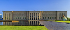 The Nelson-Atkins Museum of Art (G.E.Condit) Tags: sculpture reflection building art museum architecture birdie kansascity missouri nelsonatkins shuttlecock grantcondit