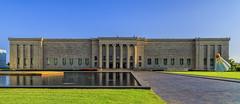The Nelson-Atkins Museum of Art (G.E.Condit) Tags: sculpture reflection building art museum architecture birdie kansascity missouri nelsonatkins shuttlecock grantcondit
