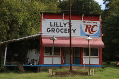 Lilly's Grocery (Tom McAfee) Tags: canon 7d grocery oldbuilding canon7d