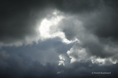Orageux / Stormy (patoche21) Tags: light sky cloud france nikon lumire ciel nuage 92 idf d300 meudon hautsdeseine 1685mm capturenx2 patrickbouchenard